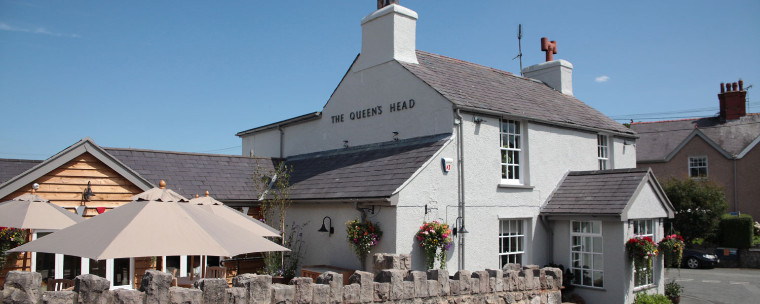Traditional pub and dining